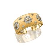 Bracelet en or et diamants, Mario Buccellati (Est. 200,000 — 250,000 HKD)